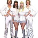 ABBA REVIVE EN CONCIERTO CON CLÁSICO ESPECTÁCULO DE BANDA TRIBUTO