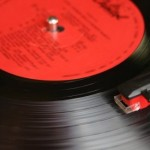 Ley del 20 por ciento de música nacional en radios fue aprobada con descontento de los artistas