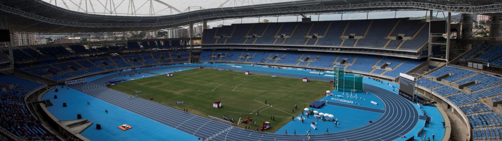 Vista general del Estadio Olímpico de Río durante los 3000 metros varoniles steeplechase en el evento de prueba de atletismo en Río de Janeiro, Brasil, sábado 14 de mayo de 2016. El evento de pista y campo es el último de los más de 40 eventos de prueba para los Juegos Olímpicos de Río de Janeiro a menos de tres meses de la inauguración. Los tres días de evento finalizan el lunes  en el Estadio Olímpico. (Foto AP/Felipe Dana)