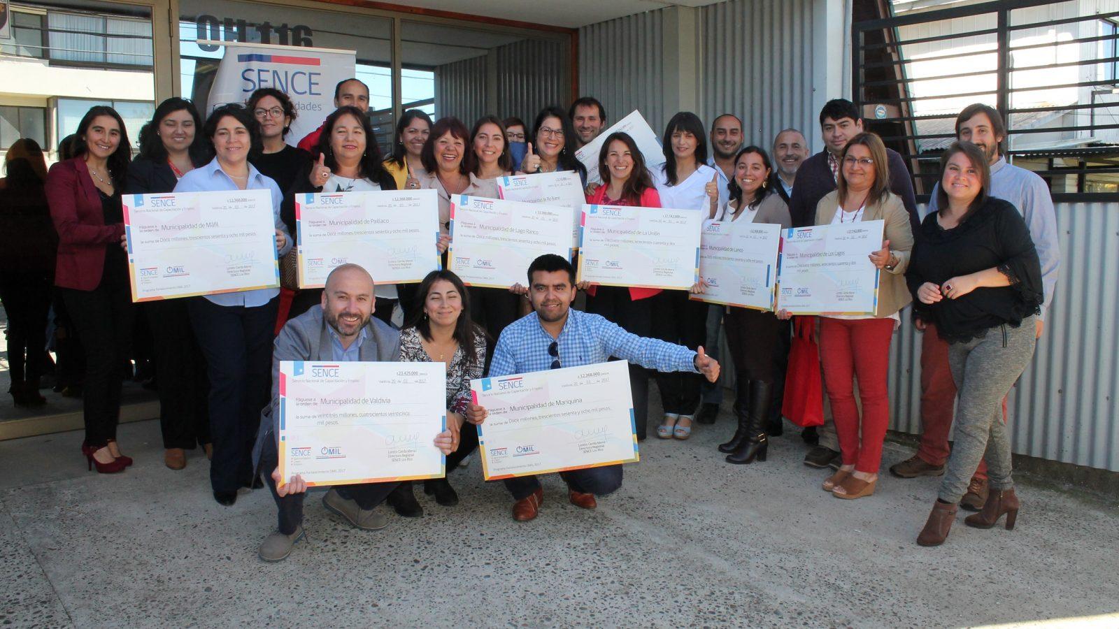 Programa de apoyo a la intermediación laboral colocó a 1.955 trabajadores de Los Ríos en puestos de trabajo