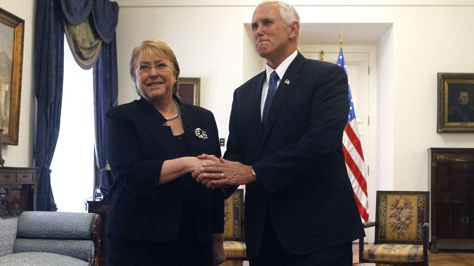 Michelle Bachelet sostiene reunión con el Vice Presidente de los Estados Unidos