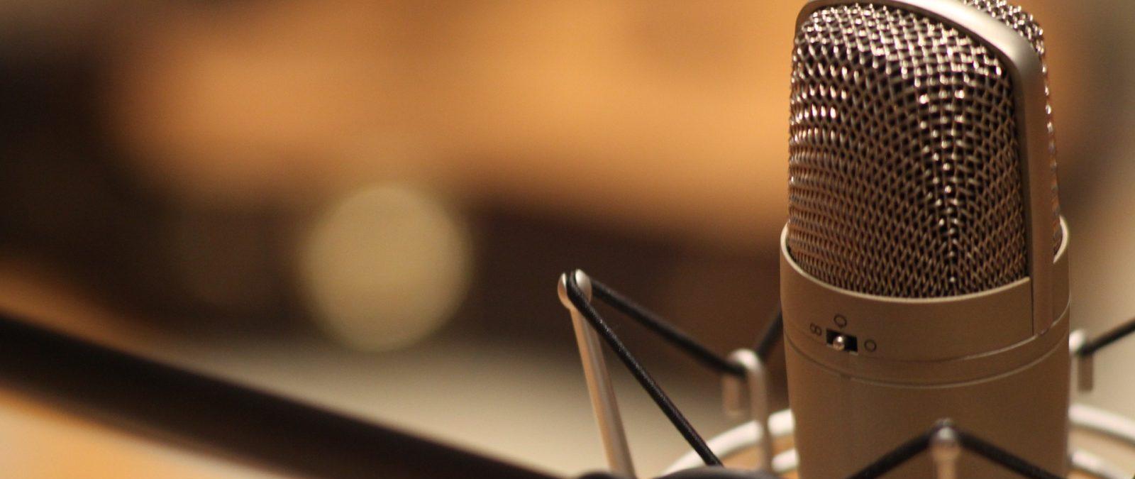 Senado aprueba proyecto que reduce penas a radios piratas