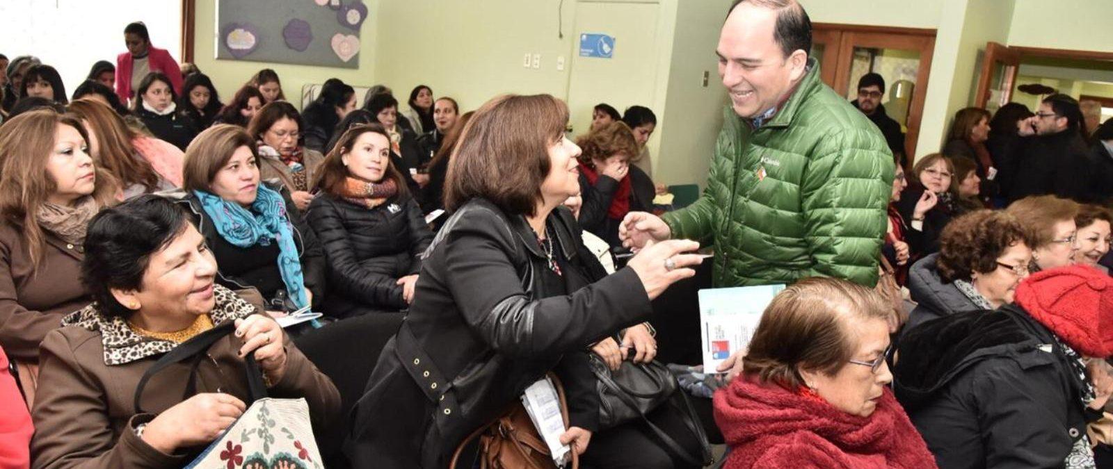 En conversatorio con mujeres Intendente César Asenjo destacó los ejes de la Agenda Mujer impulsada por el Presidente Piñera