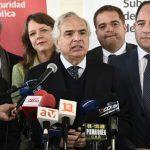 Ministro Chadwick encabezó en Valdivia reunión de mesa de seguridad de la Macrozona Sur