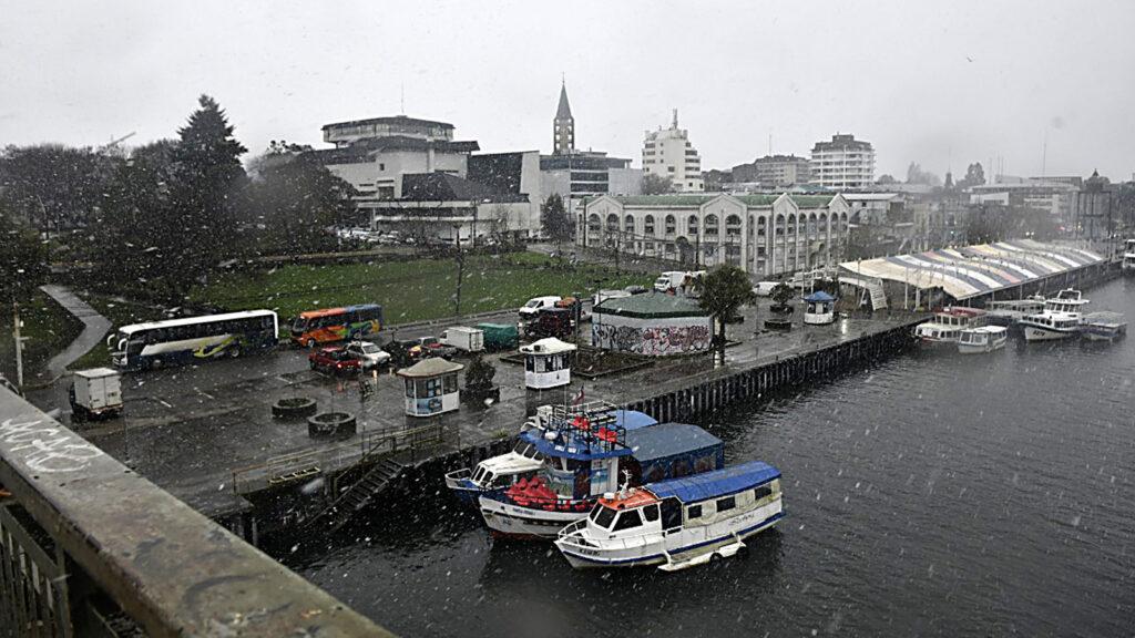 VALDIVIA: Nieve en la zona urbana de la comuna