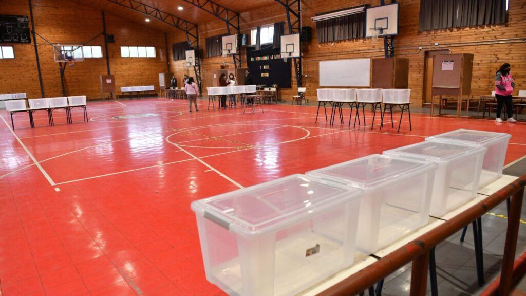 VALDIVIA: Constitución de mesas elecciones