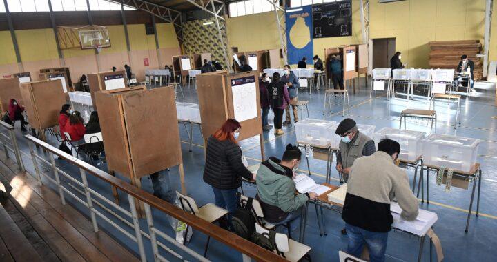VALDIVIA: Votación en diferente locales